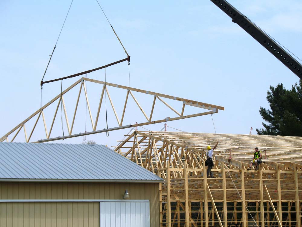 Roof trusses flat roof flat roof truss roof trusses for Prefab gambrel roof trusses